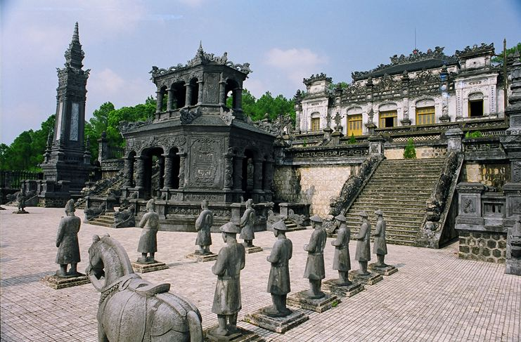 Private Car Transfer Hue City Tour