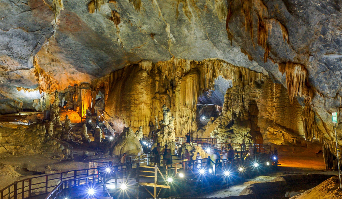 Thien Duong Cave