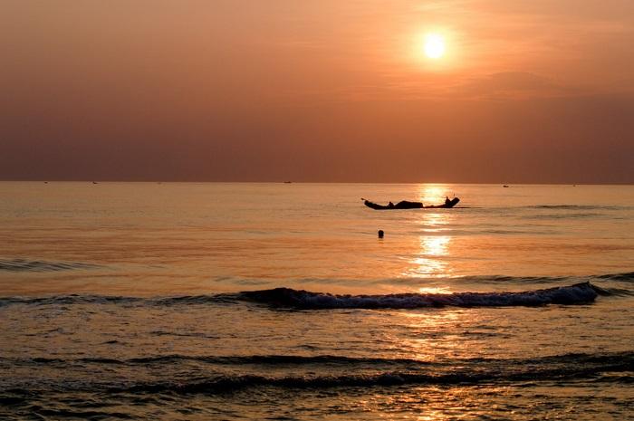 The wild beauty of Thuan An beach